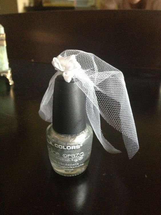 nail polish with veil