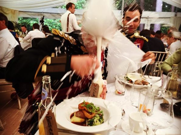 Homebrewed beer wedding favor sprays in guests face. Funny wedding photos. bridesmaidsconfession